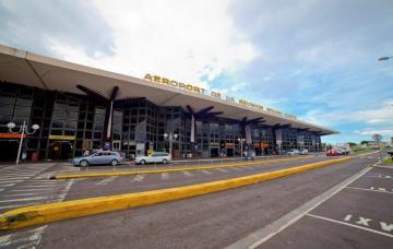 AÉROPORT LA RÉUNION ROLAND GARROS - TRAFIC PASSAGERS EN OCTOBRE 2016