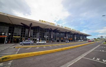 AÉROPORT LA RÉUNION ROLAND GARROS - JANVIER 2015