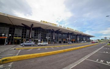 Aéroport La Réunion Roland Garros - Trafic passagers en Août 2016