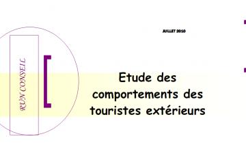 LES COMPORTEMENTS DES TOURISTES EXTÉRIEURS À LA RÉUNION